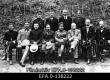 Rahvuskongressi juhatus. Esireas vasakult: V. Tomingas, J. Kukk, A. Birk, P. Põld, kongressi esimees K. Päts, Jüri Vilms, M. Juhkam, J. Seljamaa; tagareas: T. Käärik, J. Kalm, J. Grünber, A. Bachman. [1917] - EFA