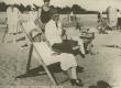 A. Kitzberg abikaasaga Pärnus suvitamas 1927. a. suvel - KM EKLA