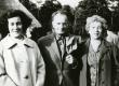 Debora Vaarandi, Paul Rummo ja Kersti Merilaas Tallinna Vabaõhumuuseumis FU kongressi ajal 1970. aasta augustis - KM EKLA
