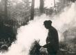 F. Tuglas lõket tegemas 1960 - KM EKLA
