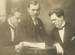 Vasakult: Julius Oengo, A. Kivikas ja Peet Vallak - KM EKLA