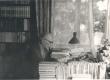 Friedebert Tuglas kodus oma töölaua juures 6. VI 1963. a. - KM EKLA