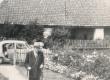 Fr. Tuglas sammub sünnimaja asemele 1963. a. - KM EKLA