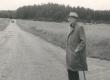 Fr. Tuglas V.-Kuuste teel Ahjas 1963. a. - KM EKLA