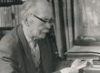 Friedebert Tuglas kodus töölaua juures 6. VI 1963. a. - KM EKLA