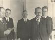 J. Sütiste, P. Ariste, P. Haliste, G. Suits, Fr. Tuglas 1934. a. ülikooli sööklas E. Vilde mälestusnäituse korraldamise puhul - KM EKLA