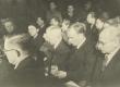 Kirjanike Liidu asutamine 1943. Teises reas: 1) August Alle, 2) Paul Rummo, 4) Olga Lauristin, 6) Eugen Kapp - KM EKLA