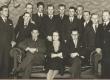 """""""Vaba Maa"""" tellimuste levitajad. Vas.: 3. Evald Vähi, 4. E. Vagul, 5. Hans Tiimann, 10. Mäealt; ees: G. Under, E. Päärt, R. Veiler 6. XII 1936 - KM EKLA"""