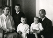 Albert Kivikas perekonnaga - KM EKLA