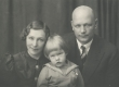 Gailit, August perekonnaga - KM EKLA