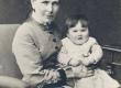 Aino Kallas (üheksakuune) ema Minna Krohniga - KM EKLA