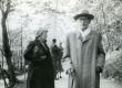 Friedebert Tuglas ja Betti Alver Pühajärvel 29. V 1957 - KM EKLA