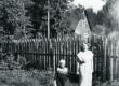 Betti Alver ja [Lembit Lättemägi] Pühastes u. 1960. a - KM EKLA