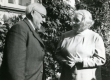 Julius Mägiste ja Betti Alver Koidula tn 8 aias 20. aug. 1970 - KM EKLA