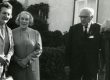 Leida Mägiste, Betti Alver ja Julius Mägiste Koidula tn 8 aias 20. aug. 1970 - KM EKLA
