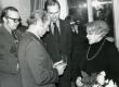 Betti Alveri 75. juubeliõhtu Tartu Kirjanike majas 27. nov. 1981. a. Poetessi õnnitlevad vasakult: 1. Arno Allmann, 2. Nikolai Preiman ja 3. Indrek Toome  - KM EKLA