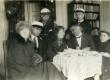 Heiti Talvik, Paul Viiding, Vasakult: [1. Elsbet Markus, 4. Virve Huik], 5. Heiti Talvik, 7. Paul Viiding jt [1927-1928] - KM EKLA