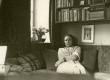 Betti Alver oma elukohas Tartus, Pargi tn 2 20. VII 1951 - KM EKLA