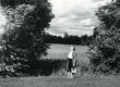 Betti Alver Kiidjärvel juuli lõpul 1956. a.  - KM EKLA