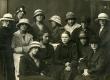 E.N.K.S. Tütarlaste Gümnaasiumi õpilased. Betti Alver, Elfriede Jaska jt …. [1920] - KM EKLA
