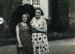 Betti Alver tundmatuga Toomel [1930-tel] - KM EKLA