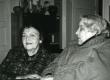 Betti Alver ja Eeva Niinivaara Koidula tn 8-2 27. aprill 1983. a. - KM EKLA