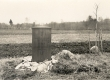 Kreutzwaldi mälestustahvel Ristimetsa kohal, Jõeperes, lauluisa sünnimaja varemeil - KM EKLA