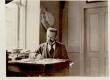 Sööt, Karl Eduard, - luuletaja - oma töölaua taga - KM EKLA
