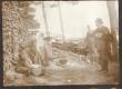 Paldrock, A dr. (1. paremalt) ja Sööt, K. E. saarlaste õues 1906. a. - KM EKLA