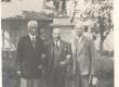 A. Läte, Otmar Feigler, K. E. Sööt Tartus Gustav-Adolfi ausamba juures 1931. VII 28 - KM EKLA