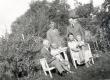 K. E. Sööt ja dr. J. Fazekas mag. Bernhard Söödi perekonnas 17. VII 1939 Kuressaares - KM EKLA