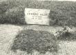 August Alle (1890-1952) haud Tallinna Metsakalmistul 1974. a. - KM EKLA