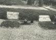 August Alle ja Marta Alle-Braff'i hauad Tallinna Metsakalmistul 1974. a. - KM EKLA