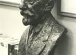 August Kitzberg'i portreebüst  August Jakobsoni viimases elukohas Tallinnas, Kaare 7a 1974.a. - KM EKLA