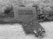 Johannes Semper i haud Tallinnas Metsakalmistul 1974. a. - KM EKLA