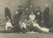 H. Adamson 5. klassi õpilastega 1923. a. - KM EKLA