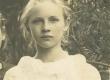 H. Adamsoni lemmikõpilane Alide Amandus (Mooniõis) 1924. a. - KM EKLA