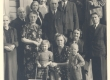 Artur Adson, Marie Under, P. Halliste, Johannes Aavik, Aleksandra Aavik tütrega jt. 1. juunil 1944 Nõmmel - KM EKLA
