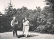 Ernst Peterson-Särgava Pirita Kose spordiplatsil 1932. a. suvel (teised arvatavasti Anna ja Salme Solba'd) - KM EKLA