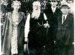 Ernst Peterson-Särgava Vändras 75. a. juubeliaktuse puhul 1943. Par. onupoeg Aado Särgava, Ernst Särgava kõrval tütre Salme lapsed Anna ja Peeter Solba'd - KM EKLA