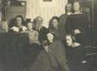 Marie Under vanemate, mehe, tütarde ja õe Bertaga - KM EKLA