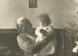 Johanna Kitzberg lapselapsega - KM EKLA