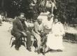 Johanna, Jaan ja Silvia Kitzberg jt Kuressaares 13.07.1931 - KM EKLA