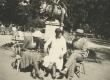Silvia ja Johanna Kitzberg tundmatuga Kuressaares 13.07.1931 - KM EKLA