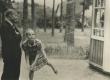 Jaan Kärner oma lemmiktütre Eloga  Elvas u. 1936 - 1937. a.  - KM EKLA