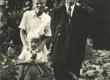 Jaan Kärner, tema minia Kaja Kärner (kunstnik) ja pojapoeg Olavi u. 1947. a. - KM EKLA