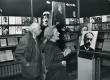 Valmar Adams ja Aira Kaal G. Suitsu näituse avamisel 30. XI 1983 - KM EKLA