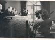 Moment ENSV Kirjanike Liidu IV kongressilt: reporter filmib presiidiumi, kus istuvad Fr. Tuglas, J. Semper, R. Sirge - KM EKLA