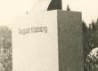 August Kitzbergi mälestussammas Raadi kalmistul  - KM EKLA