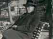 Fr. Tuglas oma koduaias Tallinnas - KM EKLA